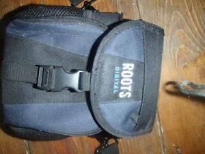 ROOTS CAMERA BAG__BRAND NEW