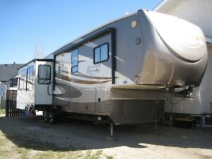 Camper | Find RVs, Motorhomes or Camper Vans Near Me in