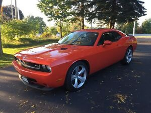 2009 Dodge Challenger SRT 6.1l HEMI orange