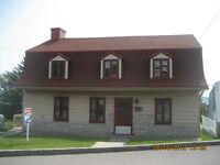Maison ancestrale rénovée à louer Beauport