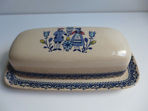 Hearts and Flowers - butter dish (lot 18)