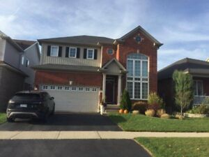 Gorgeous 2 garage + 4 beds detached house in Doon South
