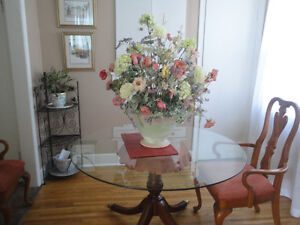NICE VASE AND DRIED FLOWER ARRANGEMENT