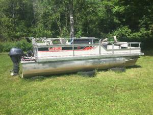 18 ft. Lowe Pontoon Boat