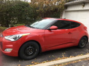 2012 Hyundai Veloster Tech — Low mileage. Manual, Red, Pano Roof
