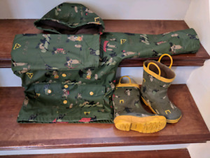 Toddler Hatley lined raincoat (size 3) and boots (size 7)