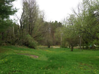 Private lot for RV /Trailer /Boat parking near Baysville Marina
