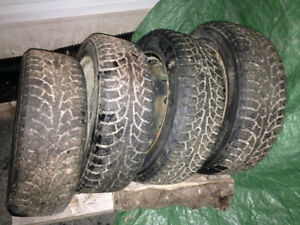 4 like new winter tires 205/55 R16 on Rims