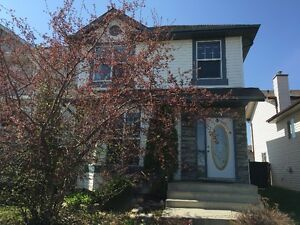 Westend3BDR Entire House w/Garage For Rent Available March1st