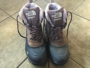 North face waterproof winter hiking boot- size 8