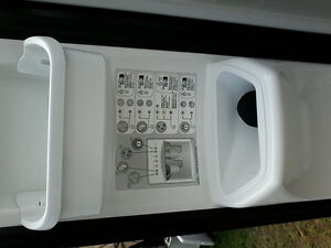 22.6 cubic foot side by side refrigerator with water and ice mak Peterborough Peterborough Area image 4