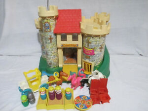 COMPLETE Vintage Fisher-Price 993 CASTLE