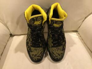 Men basketball shoes