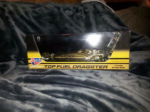 "SELLING CarQuest Top Fuel Dragster ""Golden Edition"""