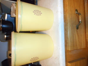 2 tupperware canisters