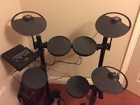 Yamaha DTX400K Compact E- Drum Set with Saddle