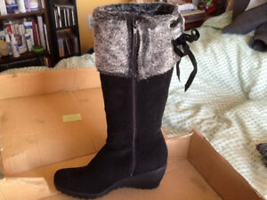 New Black Suede Nevada Winter Boots- Womens Size 8