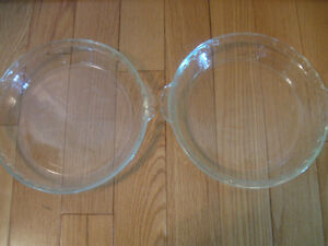 2 LARGE 11-in. PYREX DEEP-DISH CRINKLE-EDGED PIE PLATES