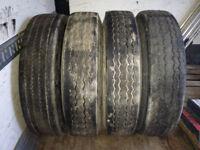 Pneus + roues 11R24.5