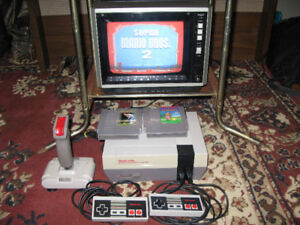 Nintendo NES package w/TV