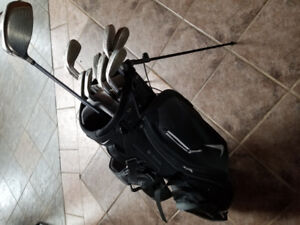 Used Cleveland Golf Clubs with Nike Golf Bag