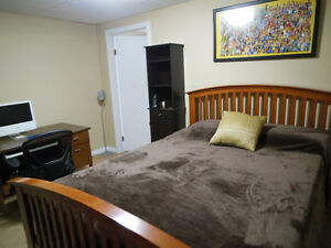 Furnished Bedroom/Bath, Hot Tub, Media Rm,Internet/Cable,Laundry