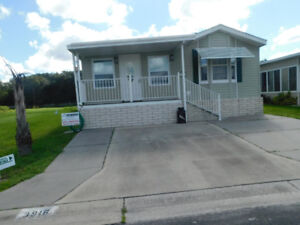 FLORIDA TURNKEY GEORGOUS NO REAR NEIGHBORS WOODS AND POND
