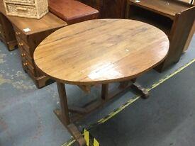 Stunning oak table