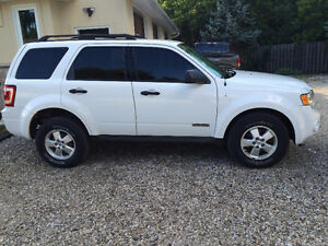 2008 Ford Escape -  Asking $5100 but willing to trade....