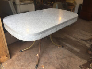 Vintage Fornica table - good condition