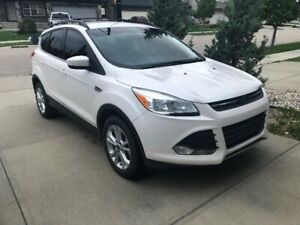 Ford Escape 2013! Good deal for a mechanic! AIR BAGS OK!