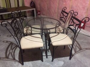 4 piece glass top dining table