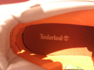 SOLD - Like brand new men's size 11 timberland boots