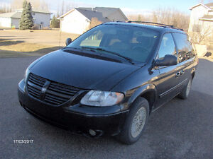 2005 Dodge Grand Caravan SXT Minivan, Van Well Kept