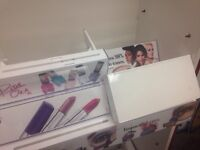 cosmetic box holders for products