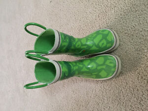 Size 6 toddle rain boots