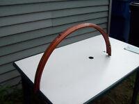 1-aile en metal,pour velo regulier,de couleur cuivre-blanc.