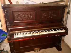 **Piano reasonable offer**