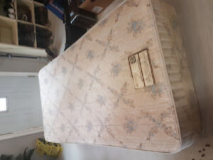 Single Mattress & Box spring set / can deliver