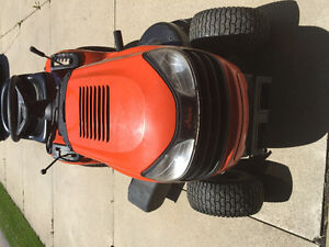 Tractor mower 2 yrs new