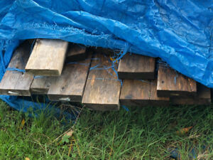 "* Construction Wood 2"" x 6"" x 4'' - NEW, 20-30 pieces (Orillia)*"