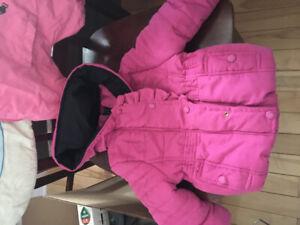 Manteau de printemps enfant filleporté 2 x seul. Grandeur 2 ans