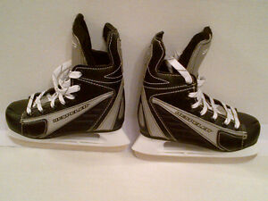 BOYS Hespeler Hockey Skates Size J1 in EXCELLENT Condition!