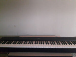 Piano Digital Yamaha P85 touches GHS, stand, sac, 90jrs