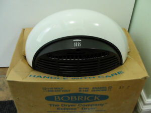 BOBRICK ECLIPSE HAND DRYER