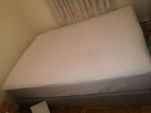 Sleep country double mattress and boxspring Downtown-West End Greater Vancouver Area image 2