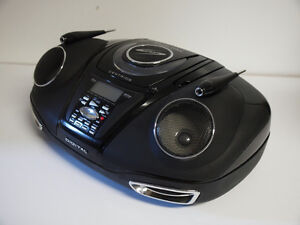 Lecteur CD-MP3-Radio AM/FM portatif West Island Greater Montréal image 2