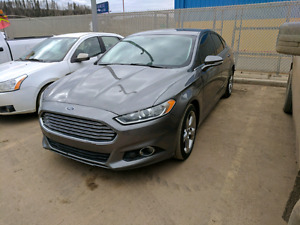 REDUCED: 2013 FORD FUSION SE