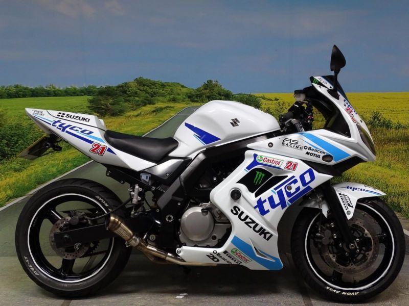 Suzuki SV650 S **Race rep with road legal 'Pro Race' exhaust** | in