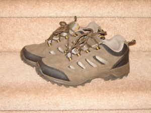 Hikers - sizes 7.5 and 8